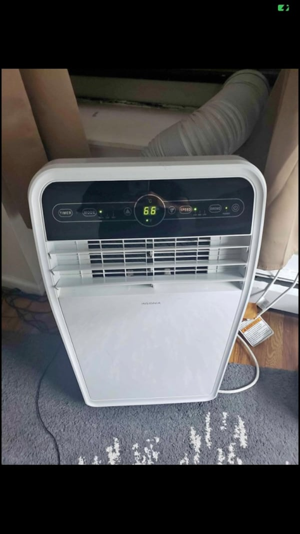 Like new portable air conditioner 10, 000 BTUs 0