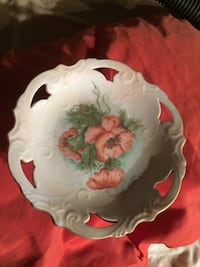 round white, teal, and pink flower printed ceramic plate Quincy, 62301