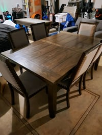 Dining table with leaf extension
