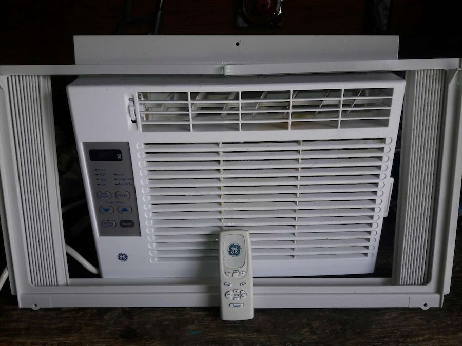 letgo - 5000 btu refrigerated ac with... in Albuquerque, NM