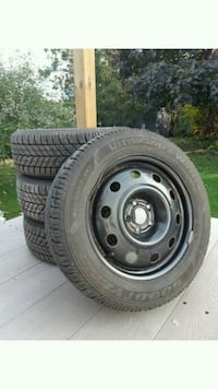 GOODYEAR ultragrip 235/55R17