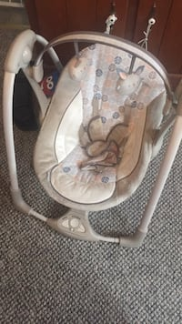 baby's gray and white bouncer Scranton, 18504