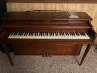 Piano - Bradbury Spinet (free piano tutorial booklet & DVD) Fox Lake, 60020