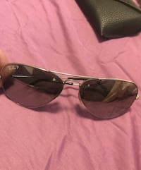 Real ray bans never worn before with case