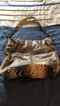 Kathy leather purse brown.