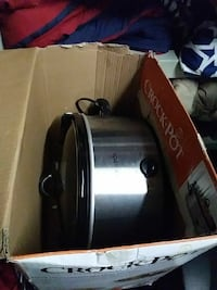 stainless steel Crockpot cooker with box Germantown, 20874