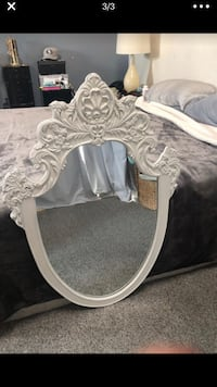 White antique mirror 2377 mi