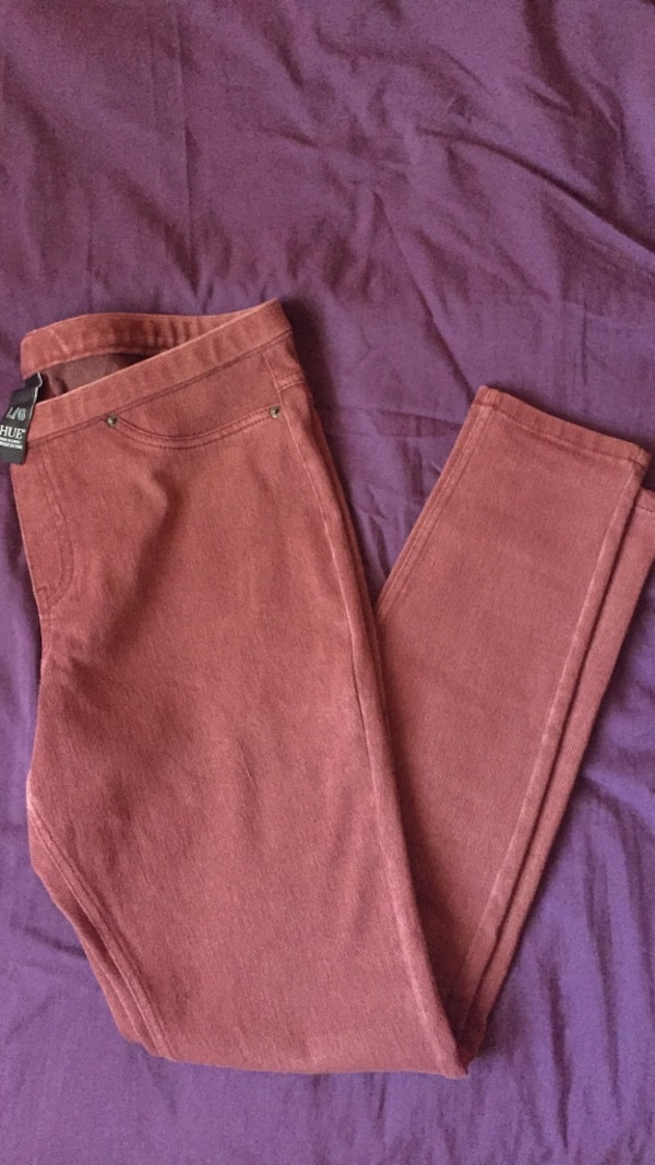 Burgundy Hue Jeggings