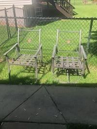 Set of six patio chairs. Inver Grove Heights, 55077