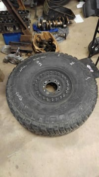"37"" military tire Albion, 14411"