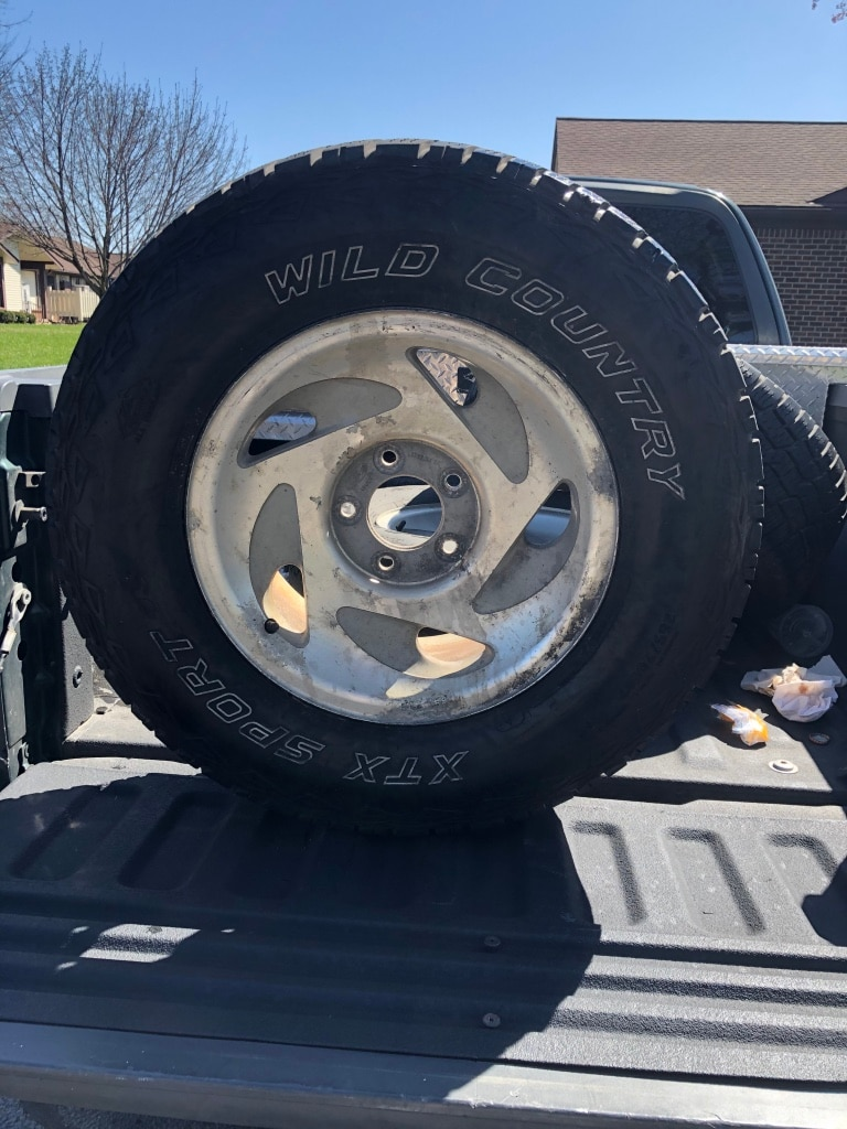 Photo 3 wheels and tires from 2001 f150