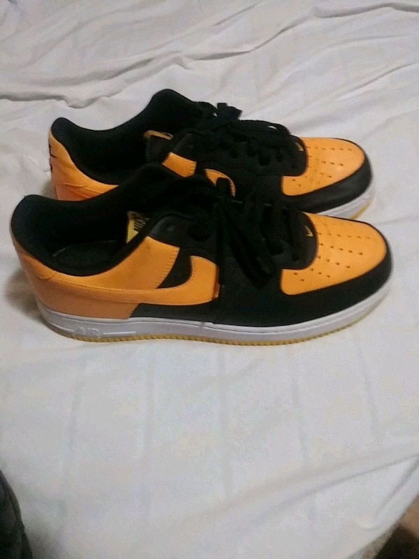 8785acbf00bf Used pair of black-and-yellow Nike sneakers for sale in Morrow - letgo