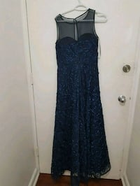 Navy blue ball gown dress Toronto, M1N 1N8