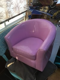 Pink childs tub chair Netcong, 07857
