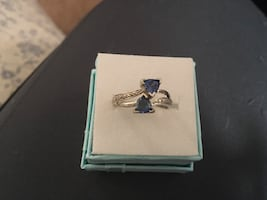 10 kt gold sapphire and diamond ring