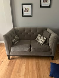 Loveseat  Capitol Heights, 20743