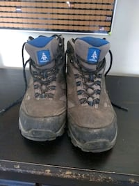 Hiking boots size 11 Vancouver, V6M 2K8