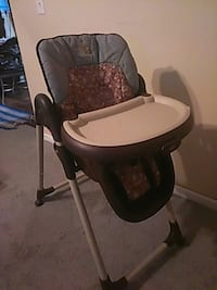 baby's black and gray high chair Columbus, 43232