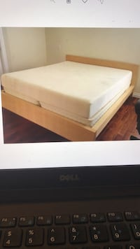 Full Light brown wood frame bed, will Deliver ! Washington