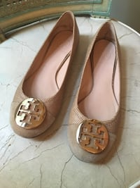 Tory Burch shoes 7  1/2 Washington