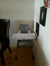 white and gray high chair Mississauga, L4X 2J1