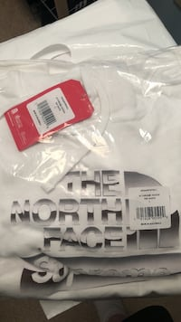Supreme North Face Hoodie Montgomery, 45242