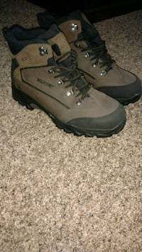 pair of brown wolverine work boots Newville, 17241