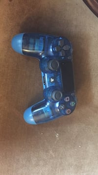 blue and black Sony PS4 controller Findlay, 45840