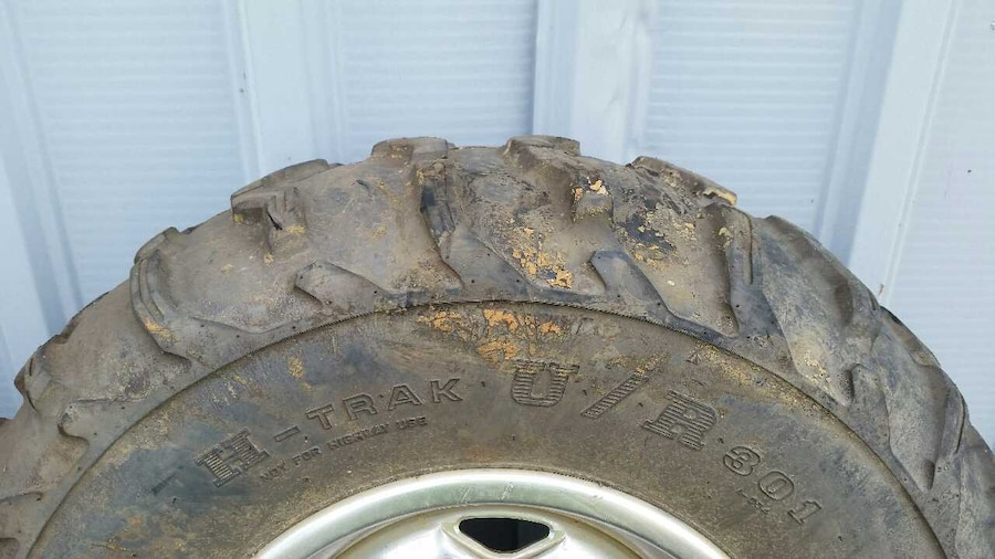 Factory rincon wheels and tires in evansville letgo for Select motors evansville in