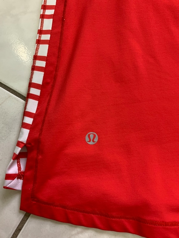 Tank top lululemon size 6,8,10, ($12 each ) 8