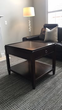 Side table St Catharines, L2S 3Y6