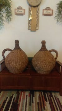 Two large wicker weaved decor pieces Taylors, 29687