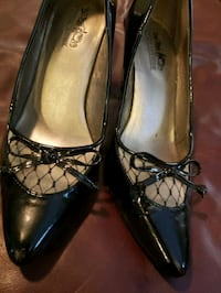 Size 6 Coach and Four Black Patent Pumps  Knoxville, 37934