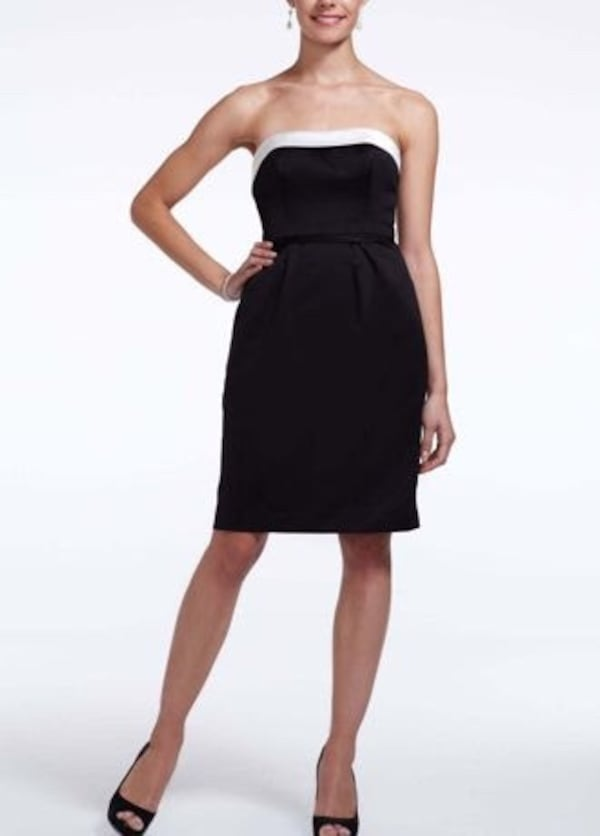 Satin short dress with white back bow size 12 89389f62-0913-40eb-89dc-3146fc8a448d