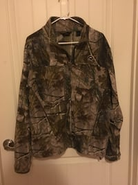 Medium Redhead camo jacket Fort Washington, 20744