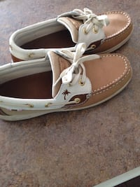 Pair of brown Margaritaville boat shoes size 6  Nicholasville, 40356