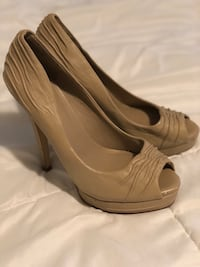 Aldo pumps size 8. Barely used, just a few scratches on heel.  Trenton, 08620