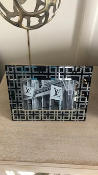 Black and white wooden house miniature Middletown, 10940