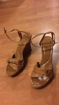 Wedges - size 9 Maryland Heights, 63043