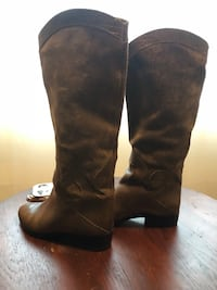 Brown leather knee-high boots size 6.5 Seattle, 98116