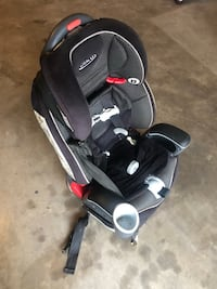 baby's black and gray car seat carrier Spring, 77386