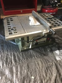 Makita table saw plus free hand tool (your choice of 10) Port Moody, V3H 1H9
