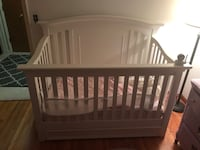 Baby crib, converts to toddler bed Bloomington, 55437
