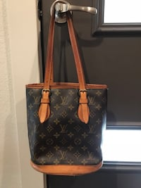 Louis Vuitton leather tote bag