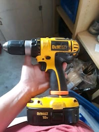 yellow and black DeWalt cordless power drill Meridian, 83642