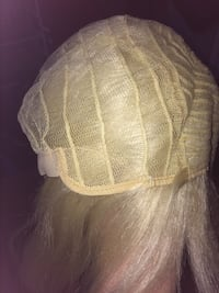 Blonde bob wig with bangs , never worn, good quality London, N5W 3E4