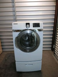 white front-load clothes washer Chesapeake, 23320