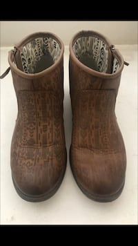 pair of brown leather boots Perris, 92571