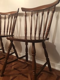 two brown wooden windsor chairs Montréal, H1M 2T9
