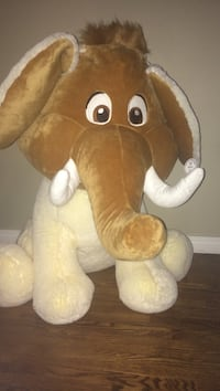Stamped grand prize 3ft stuffed animal Calgary, T2S 0B6